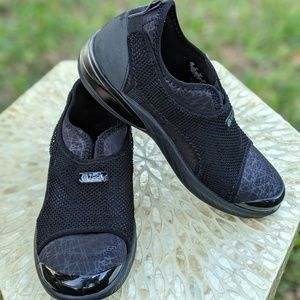 Bzees Nellie Black Walking Shoes